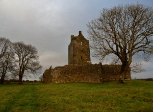 Fiddaun - the most intact yet deserted castle we found in Ireland
